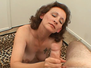 hoot mom in action with fucking and sucking