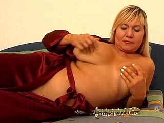 yearly busty mom plays with a dildo for her camera totting husband